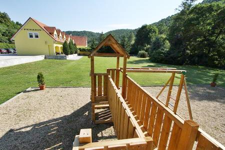 Jižní Morava - penziony - Penzion u Vranovské přehrady - venkovní pohled