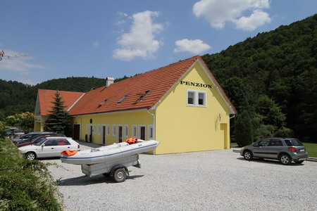 Ubytování jižní Morava - Penzion u Vranovské přehrady - pohled zvenku