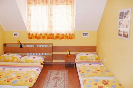 Jižní Morava - penziony - Penzion u Vranovské přehrady - pokoj